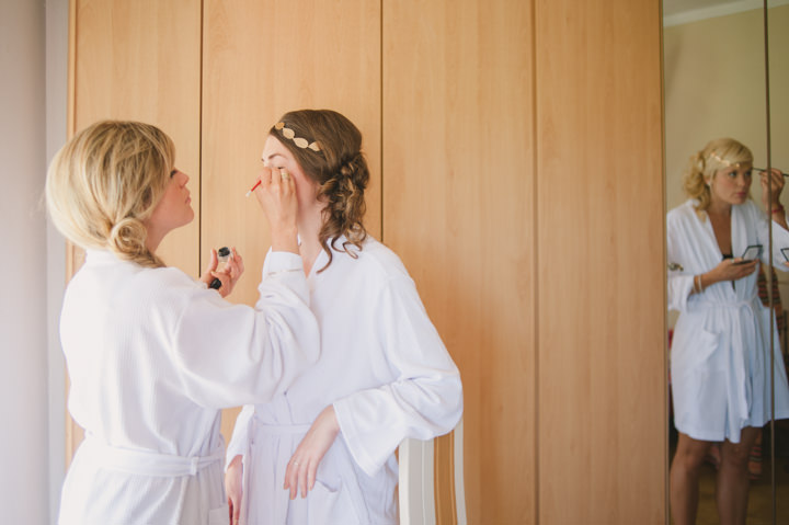 Homespun Algarve Wedding make up application By Piteira Photography