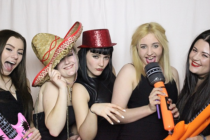 Boho Loves: Selfie Photo Booth Hire - Fun and Instant Selfie Images