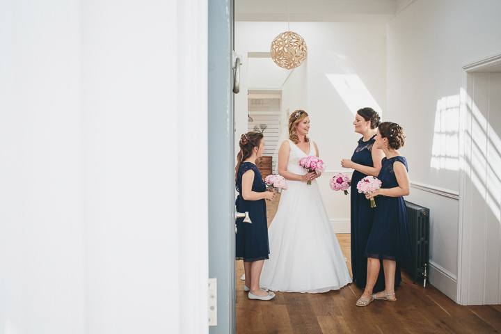Wedding By Helen Lisk Photography at the fabulous Tunnels Beaches bridal party