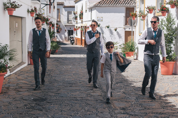 Whimsical Woodland Spanish Wedding groomsmen By Radka Horvath Photography