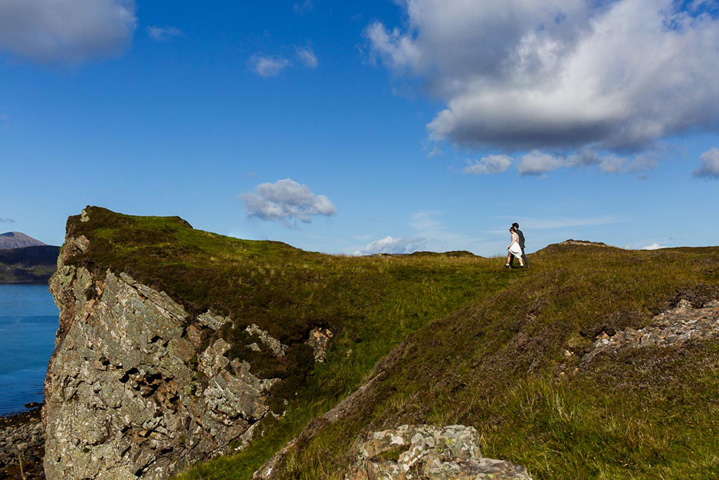 Isle of Skye bride and groom Elopement By Lynne Kennedy Photography