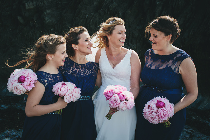 Wedding bridal party By Helen Lisk Photography at the fabulous Tunnels Beaches