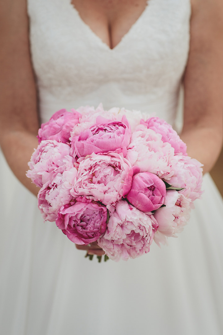 Wedding By Helen Lisk Photography at the fabulous Tunnels Beaches peony bouquet