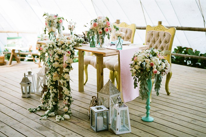 Beach wedding in the Dominican Republic By Asia Pimentel Photography sweet heart table