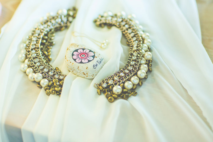 Sri Lanka Wedding jewels By Cloud Attic Photography