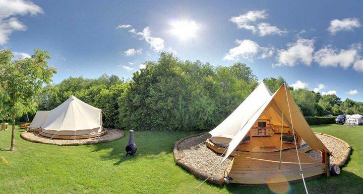 6 Ideas for a UK Honeymoon in the Summer Sun