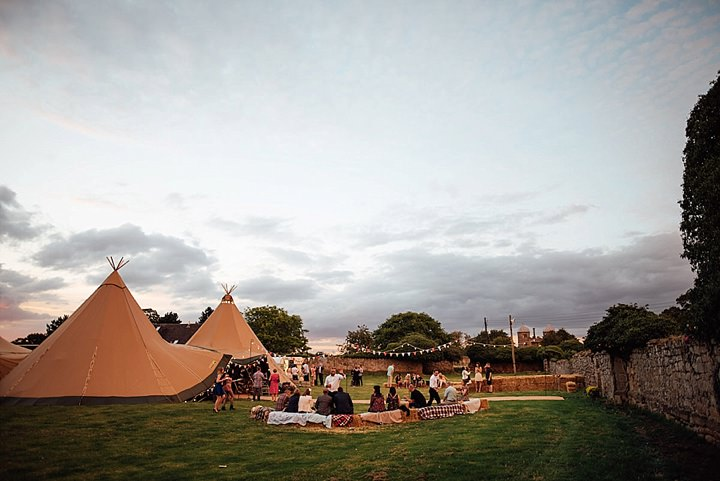 Ask The Experts: Tipi Wedding Advice