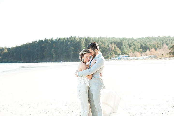 Indigo and Geode Inspiration - A Fine Art West Coast Elopement_0026