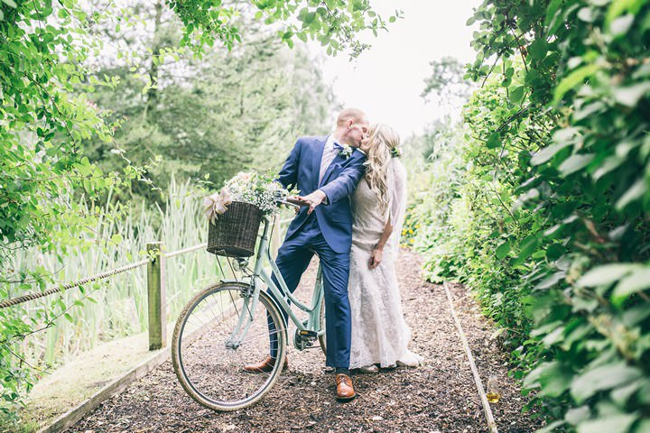 1-Blush-and-Peach-Cheshire-Wedding-by-Jess-Yarwood