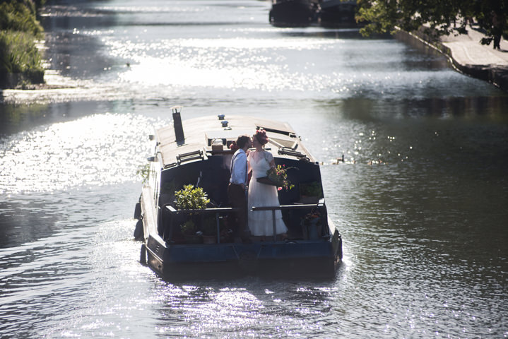 A Modern Folksy Inspiration Shoot Aboard A Narrowboat in London