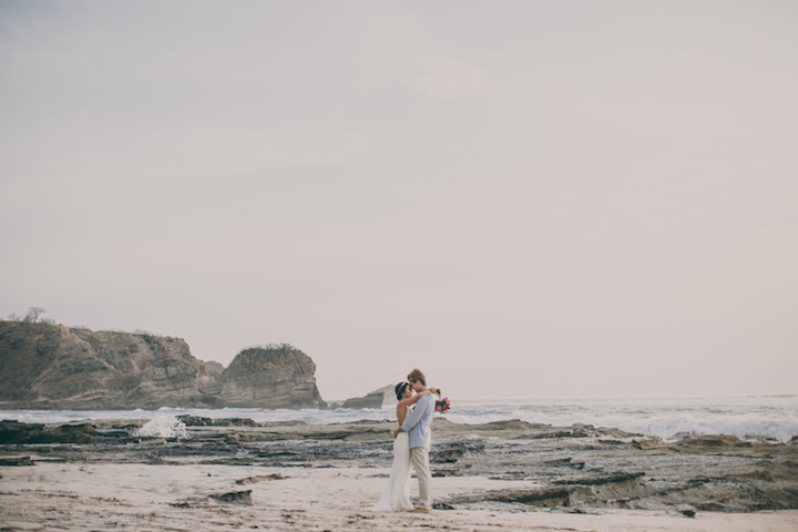 1-costa-rica-beach-wedidng-by-white-diamond-photography