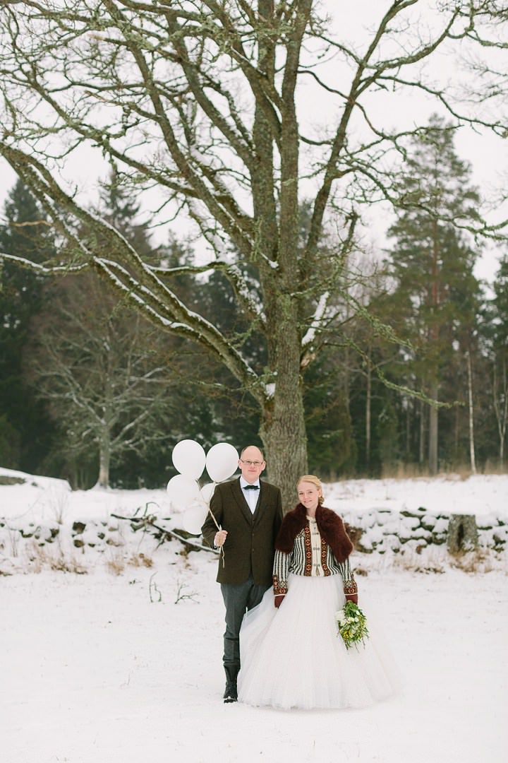 1-winter-forest-wedding-in-sweden-by-loke-roos-photography