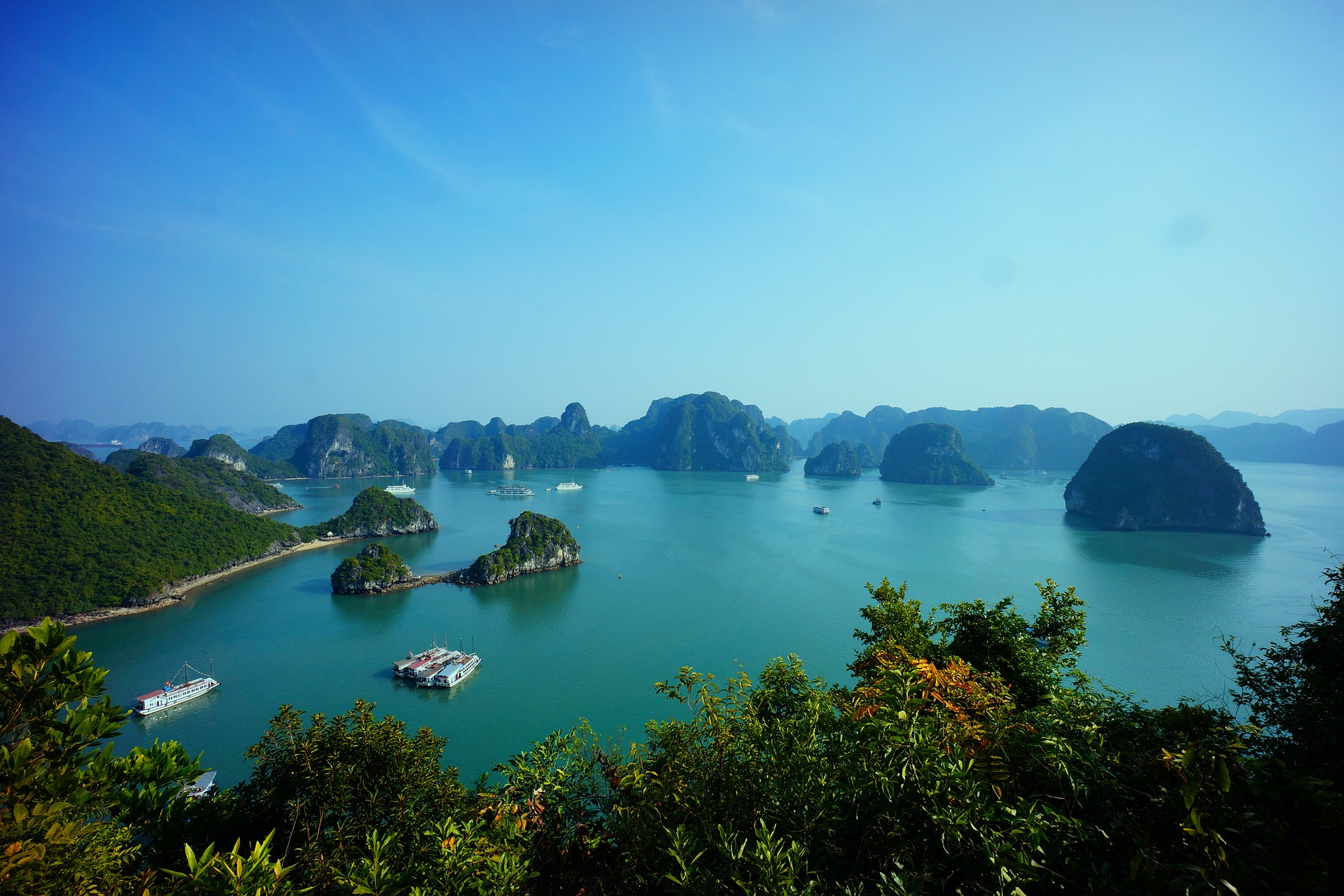 halong-Honeymoon Ideas - Asian Honeymoons to Make Your Mouth Water
