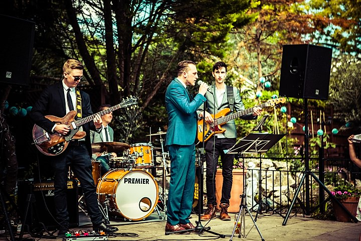 How to Choose a Wedding Band with Seventh Second