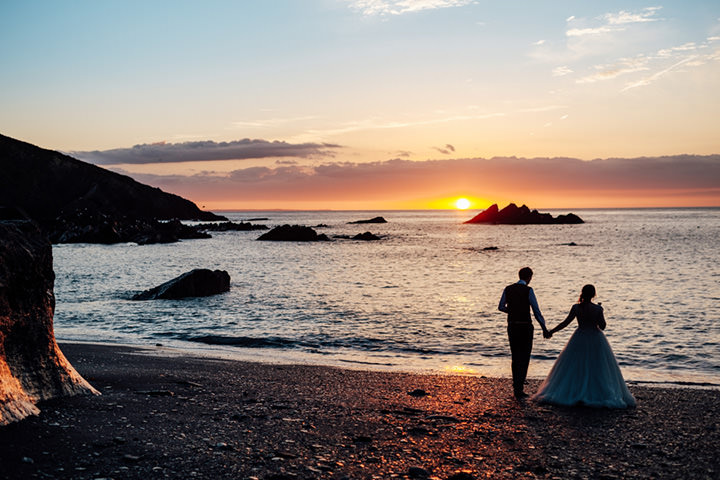 Lynne and Jon's Travel Themed Beach Side Devon Wedding by Anna Pumer Photography
