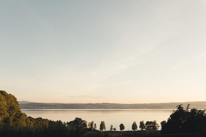 Elegent Boho Norwegian Lakeside Inspiration