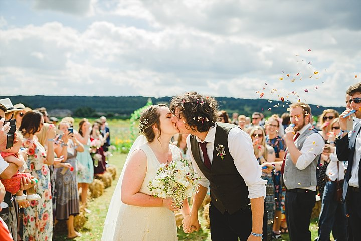 Ask The Experts: Why Your Friend Shouldn't Photograph Your Wedding (Unless They Are A Professional!)