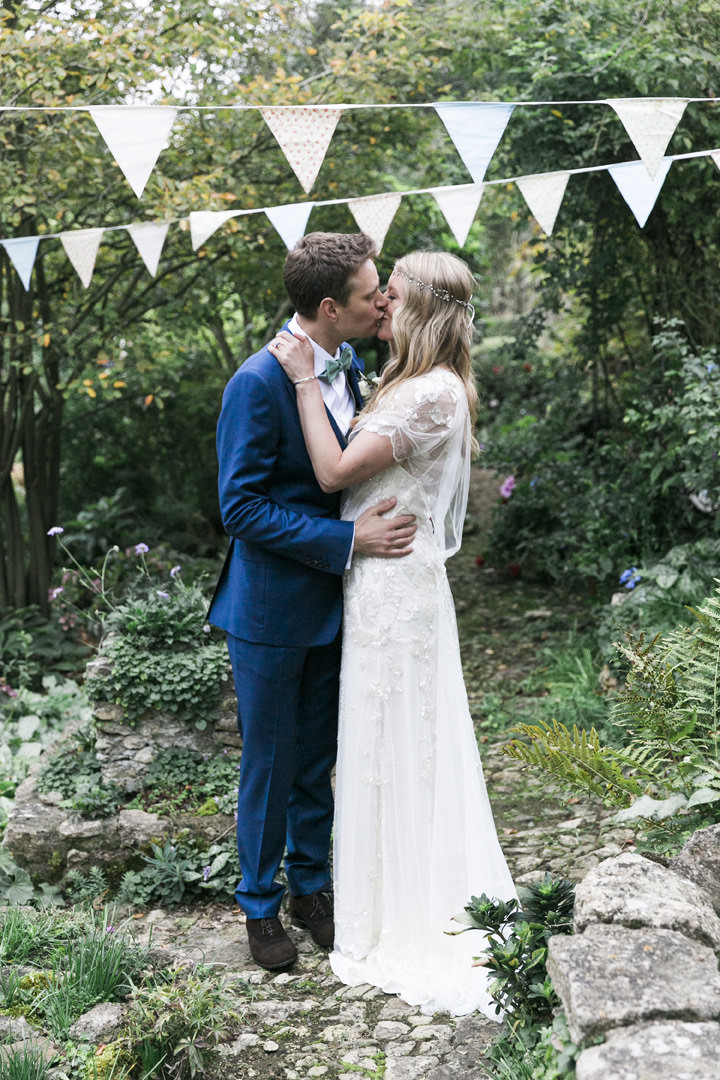 Harriet and Ed's Handmade Mint Green Wedding With a Jenny Packham Dress by Photography by Krishanthi
