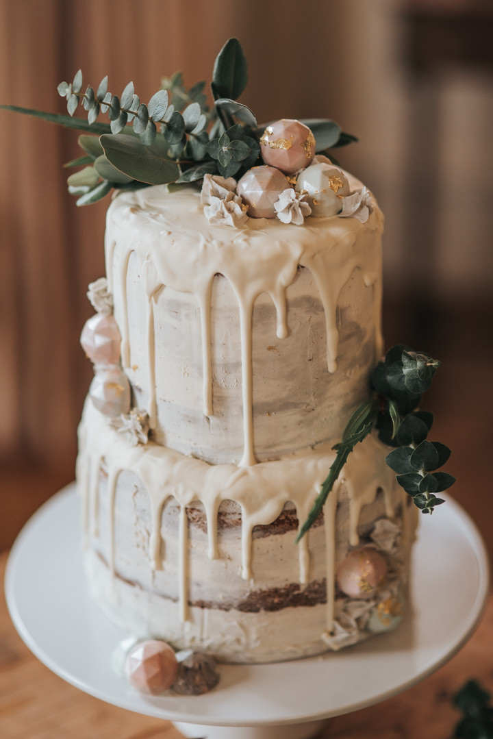 chocolate ganache drip wedding cake ask the experts top tips for baking your own wedding cake 12710