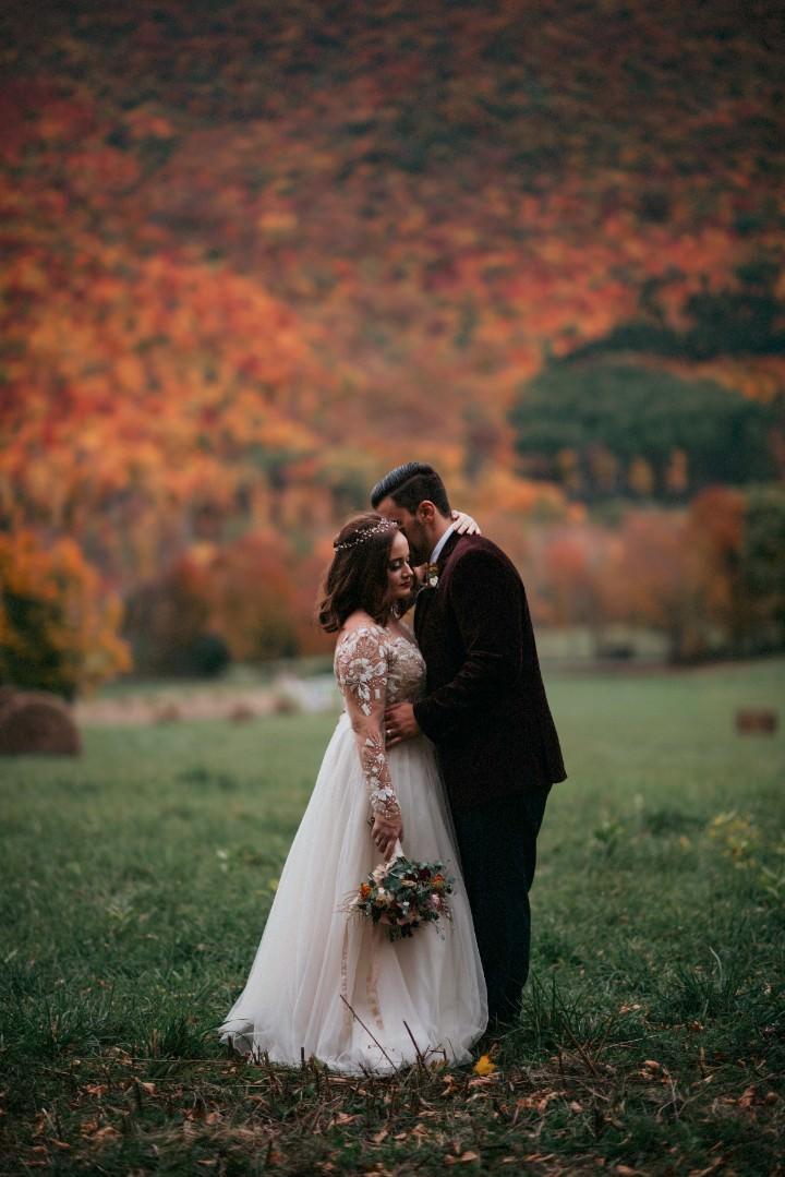 Nicholas and Alexandra's Rose Gold New York Barn Wedding by Rick Messina Photography
