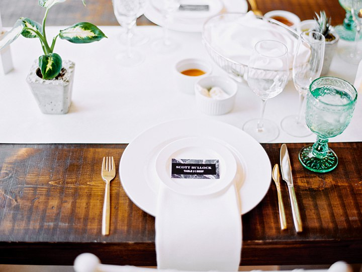 'Minimalist Neon Jungle' Toronto Wedding with an Anna Campbell Gown by Leo Patrone