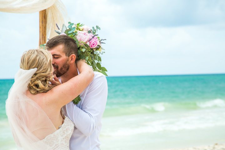 Emily and Clay\'s \'Beachy Boho\' Wedding in Mexico by Fun in the Sun ...