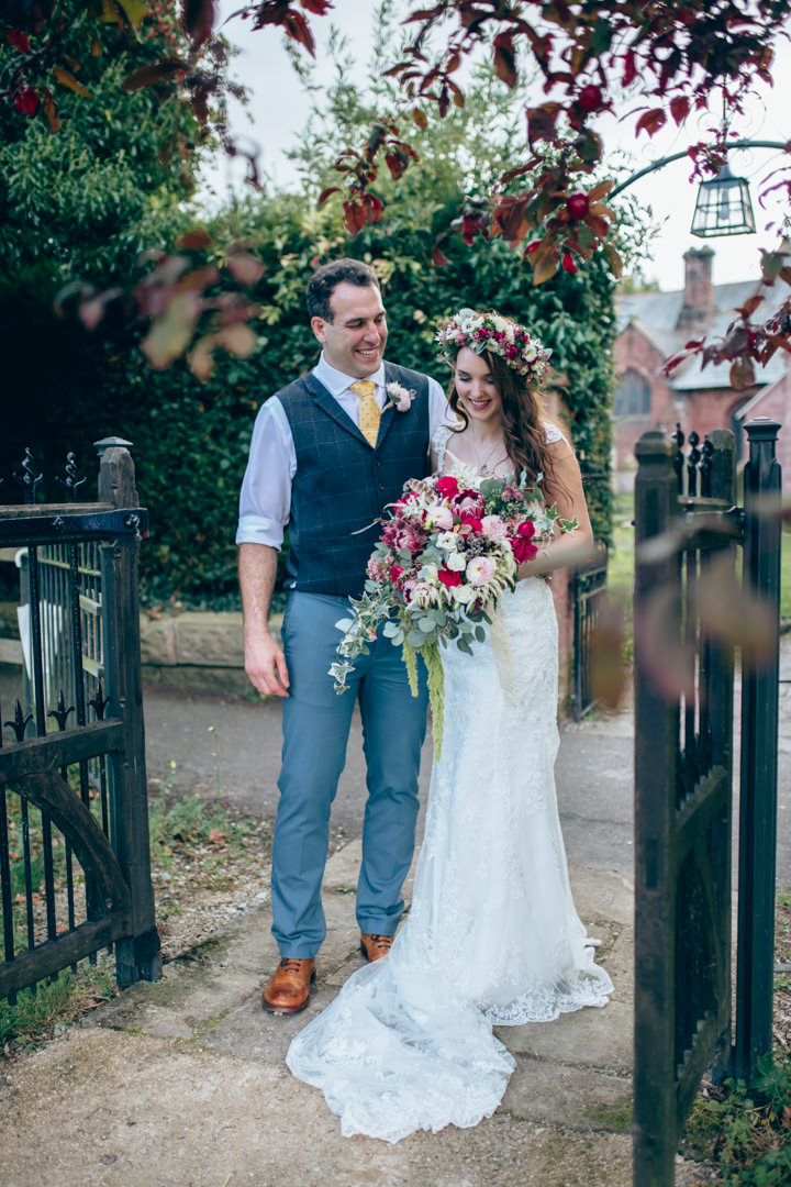 Ross and Jade\'s Eclectic Home Garden Wedding all Planned in 8 Weeks ...