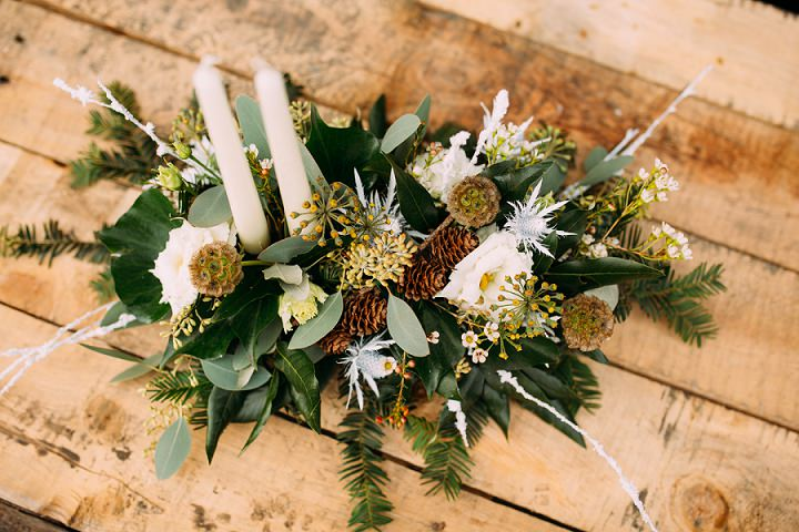 Christmas DIY Tutorial: Christmas Table Arrangement with Campbell's Flowers