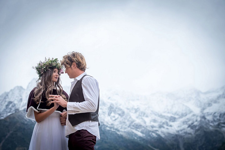 'Wedding Berries' Italian Mountain Winter Wedding Inspiration