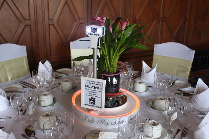 The Brand New Table Selfie from Photobooth - A Fabulous Edition to Your Wedding Reception