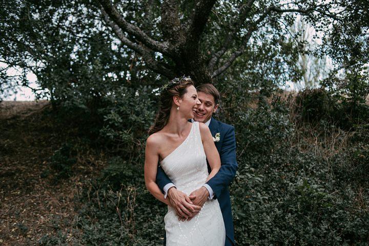 Uschi and David's Rustic and NaturalOutdoor Spanish Wedding by Sara Lobla