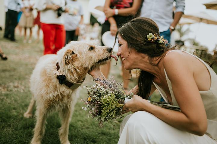 Naza and Héctor's Dog Friendly Rustic Boho Valencia Wedding by Yabiku Wedding Photo and Romeos Y Julietas