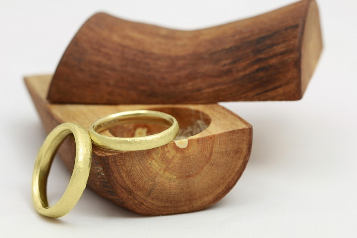 Bridal Style: Jacqueline and Edward - Handmade Sustainable and Eco-Friendly Wedding Rings