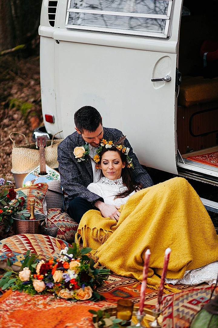 Warm and Cosy Earthy Woodstock Wedding Inspiration - Boho Weddings For the Boho Luxe Bride