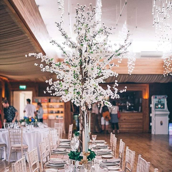 Ask The Experts: How to Bring Festival Magic to Your Winter Wedding