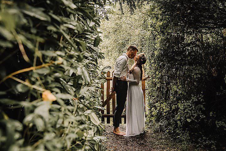 Terri and Scott's Barefoot Outdoor Tipi Weddingby Rose & Rainbow Photography