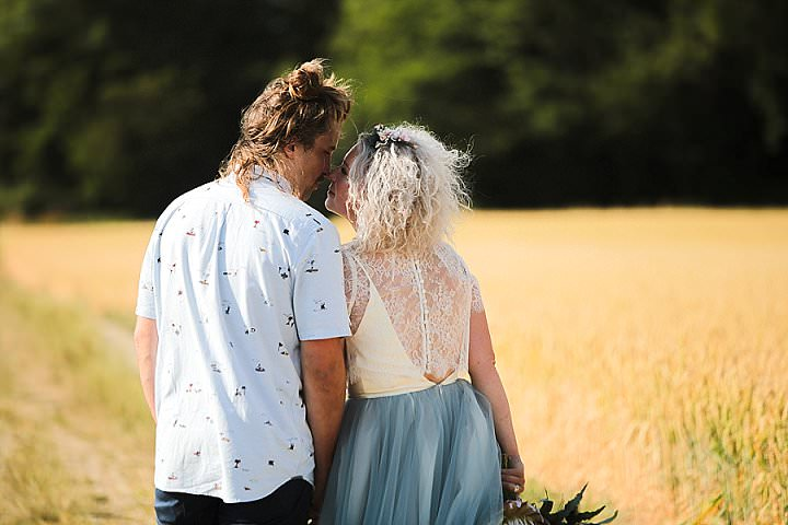 Sophie and Sam 'Cheers 'n' Beers' Super Laid back Sunny Yorkshire Wedding by Anoif Photography