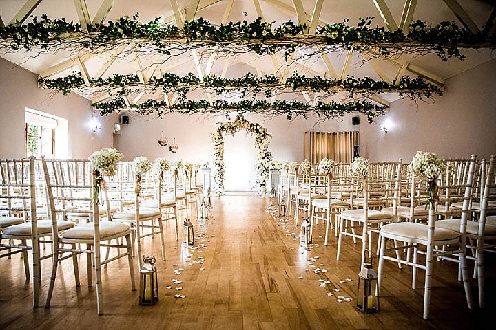 Victoria and Joe's 'Rustic Botanical'Hertfordshire Barn Wedding by Hayley Pettit Photography