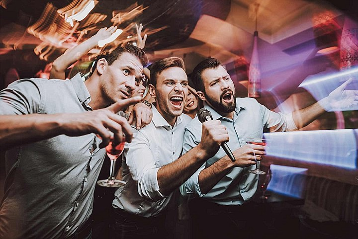 Planning a bachelor party on a budget doesn't mean you have to compromise. Check here for some awesome ideas that will leave the groom feeling like a million bucks.