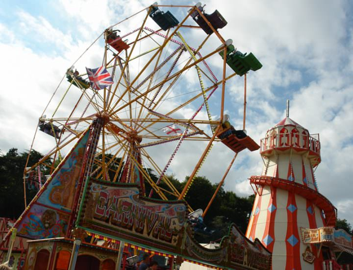 Boho's Top Trends: Funfair Rides for Weddings