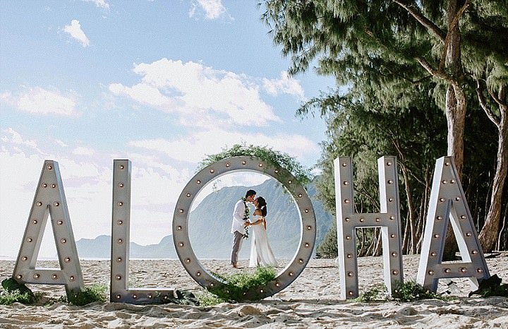 'Aloha From Hawaii' Macrame and Greenery Beach Wedding Inspiration