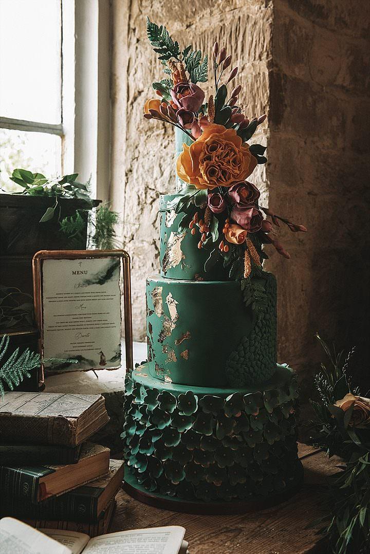 'Emerald Dreams' Dark and Beautiful Winter Wedding Inspiration