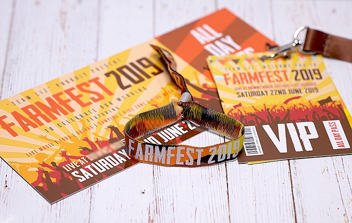 13-farmfest-farm-barn-festival-wedding-stationery