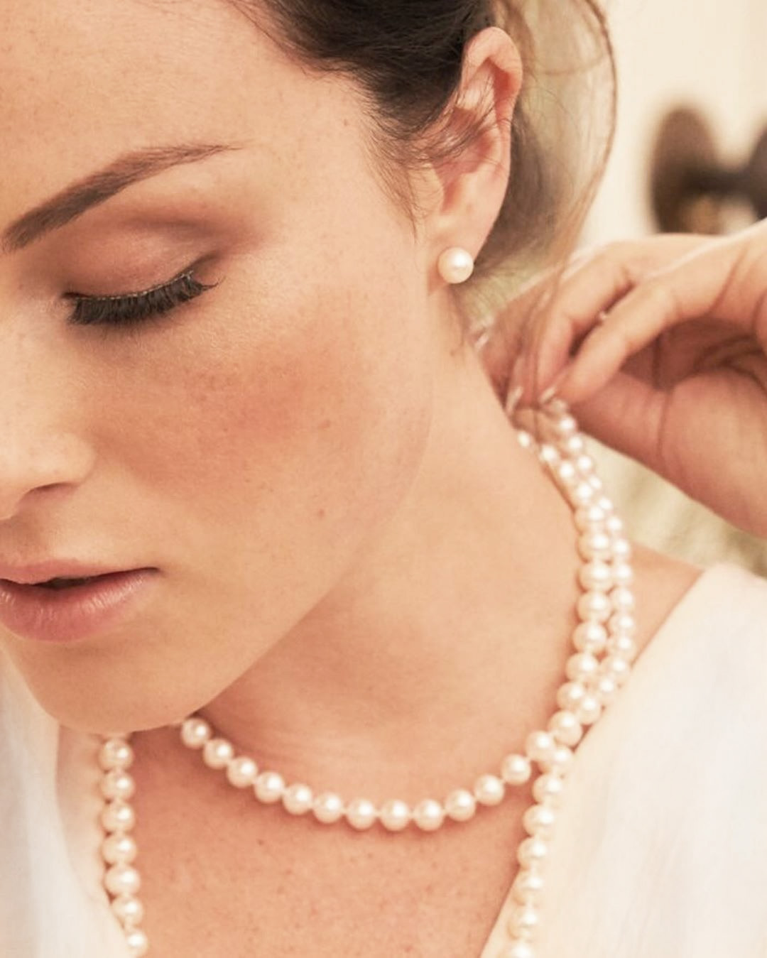 Bridal Style: 5 Striking Accessories for Winter Brides