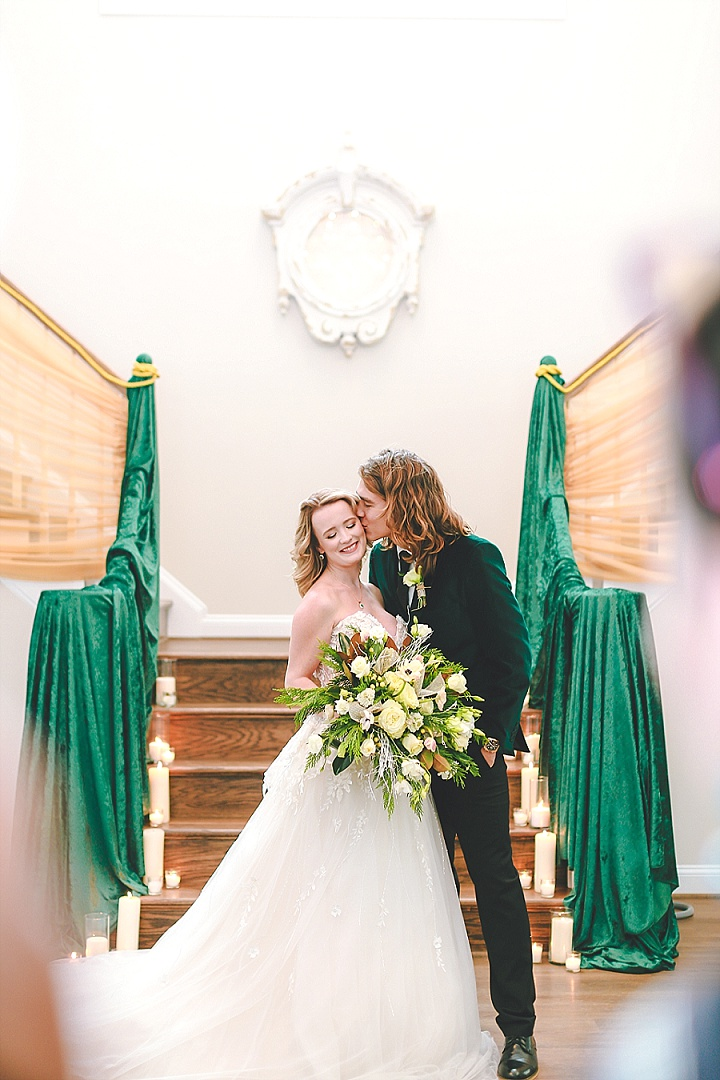 Snowy Super Glam Green and Gold Winter Wedding Inspiration