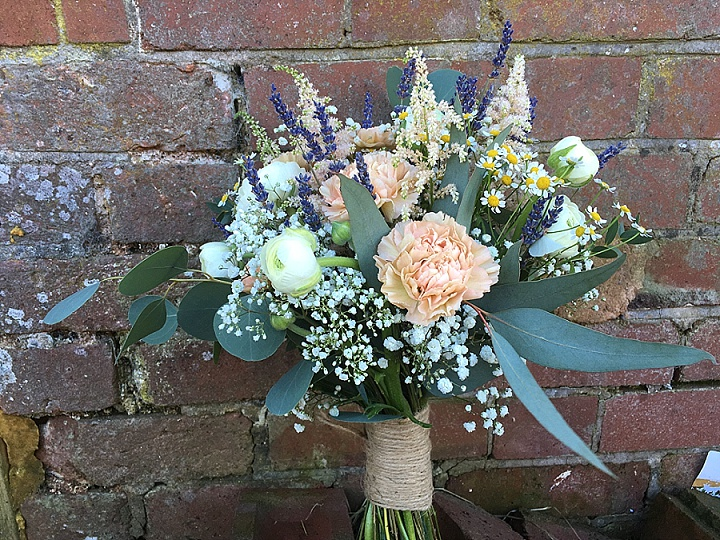 Ask The Experts: DIY Wedding Flowers The Dos and Don'ts With Barn Florist