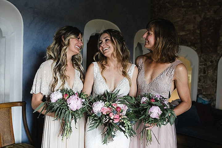 Natalie and Mark's Natural and Simple Flower Filled Outdoor Barcelona Wedding by Laura Stramacchia