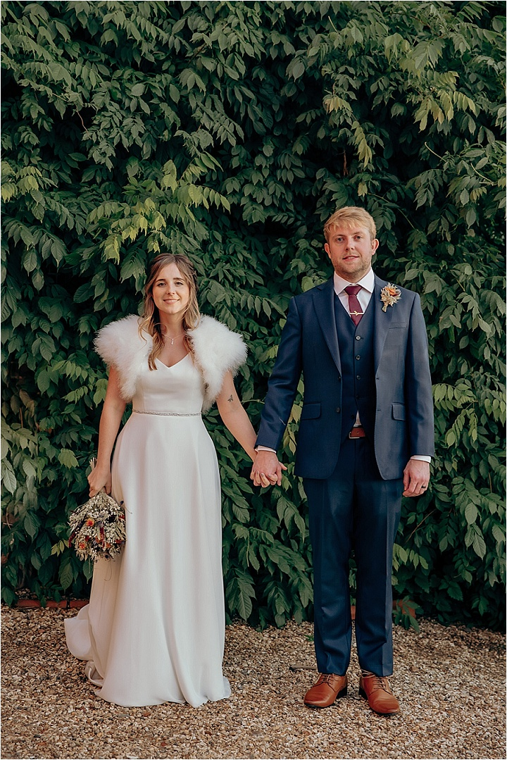 Jason and Lisa's Autumnal Berkshire Barn Wedding by Jodie DC Mitchell