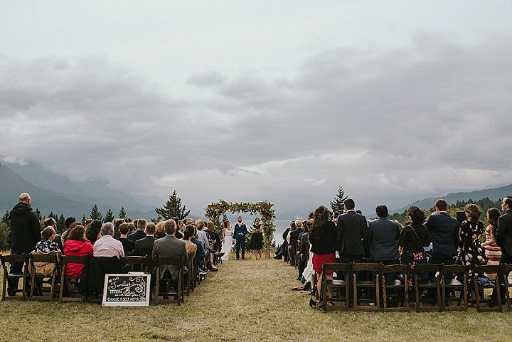 Molly and Tim's Nature Loving Outdoorsy Wedding by Elissa Deline Photography