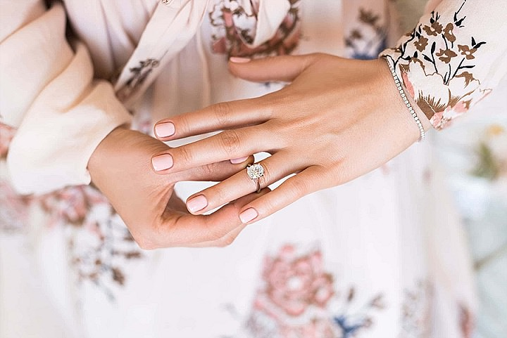 Ask The Experts: 5 Ways To Stay On Budget While Engagement Ring Shopping